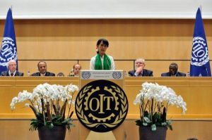 l-opposante-birmane-aung-san-suu-kyi-parle-a-la-conference-a_720900