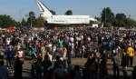 Shuttle Endeavour: Huge crowd